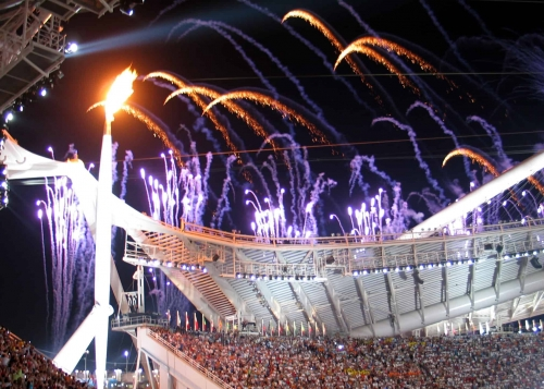 Olympic_flame_at_opening_ceremony-500x99999 Η Ολυμπιακή φλόγα